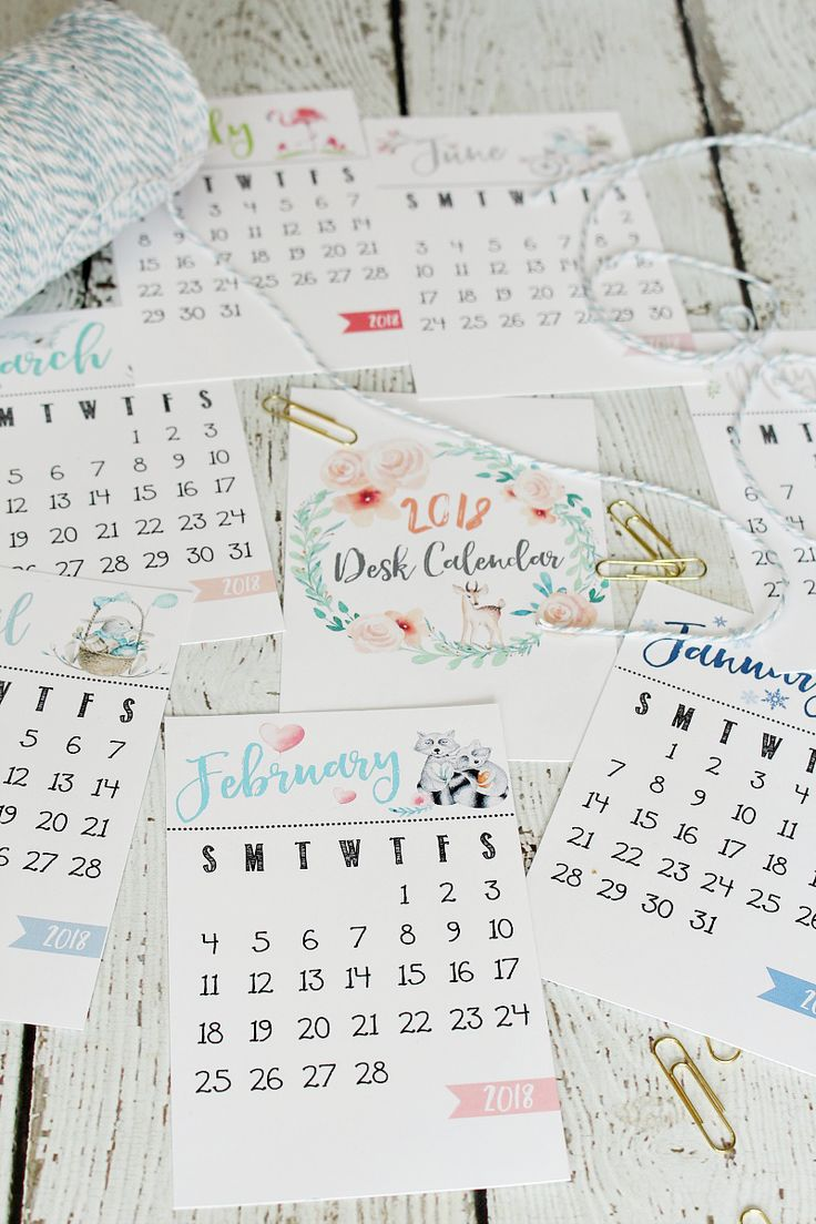 FREE 2018 Desk Calendar. Perfect for home, office, or packaged up as cute Christmas gifts! Pretty watercolor design.