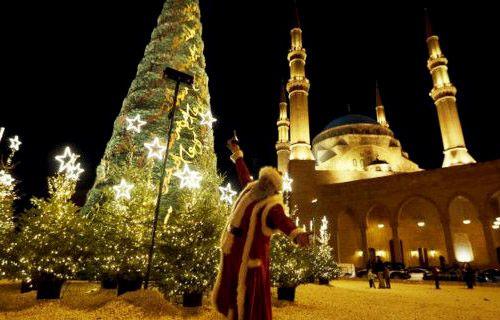 Indahnya Saling Menghargai, Pohon Natal di Depan Masjid Lebanon :http://adichannel.net/trending-topic/pohon-natal-di-depan-masjid-lebanon/