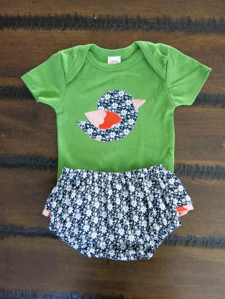 Organic baby bodysuit 6 -12 months /Christmas baby clothes / Organic ruffled bloomers / Bird appliqué bodysuit / Hipster baby girl clothes by FourLittleButtons on Etsy