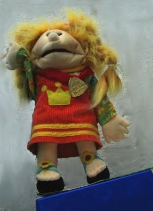 Maggie Abu, Maggie for seachtain na Gaeilge. Moll an oige agus tiocfaidh siad. www.littlegempuppets.com