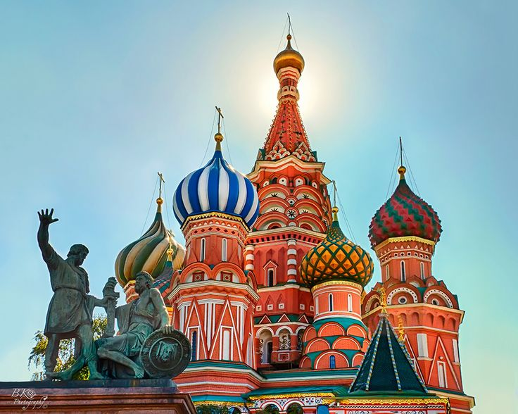 Decorating St Basil S Cathedral In Moscow Famous