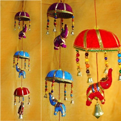 Torans or Bandhanwars are one of the most important Diwali decorative items.