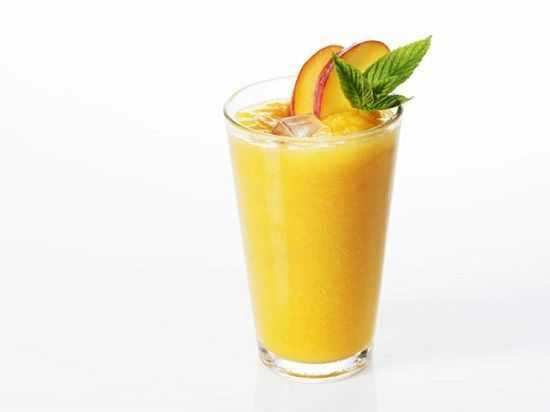 Smoothie din pară piersică și pepene galben      Ingrediente:  pepene galben  2 pere  o piersica sau 2  câteva picături de zeamă de lămâie    Mod de preparare:   Se mixează totul în blender cu un pahar și jumătate de apă... Delicios! Pepenele galben se consumă cel mai bine separat însă se poate combina cu fructe acide (portocale ananas lămâie căpșuni mure grepfruit etc..) sau cu fructe subacide(mere caise piersici mango afine cireșe pere kiwi papaya etc..).   Poftă bună! rețete mâncăruri