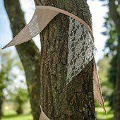 Guirlande bannière en toile de jute et dentelle
