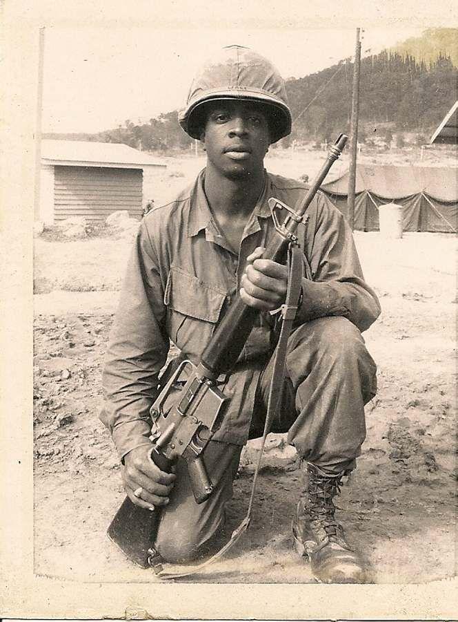 Vietnam War Black Soldier Male Helmet Boots Sapira