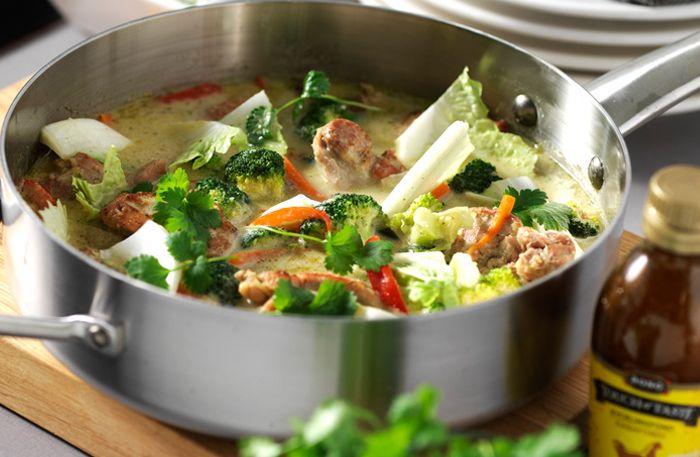 Tänd de kulörta lyktorna och bjud familjoch vännerpå en riktigt god kyckling i grön curry!