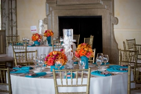 Centerpieces: great flowers but think linens would be cuter in prints. Google Image Result for http://blueistheone.com/wp-content/uploads/2011/05/teal6.jpgTeal Coral, Colors Combos, Aqua Wedding, Tables Sets, Orange Flower, Orange Wedding, Wedding Centerpieces, Tables Decor, Coral Centerpieces