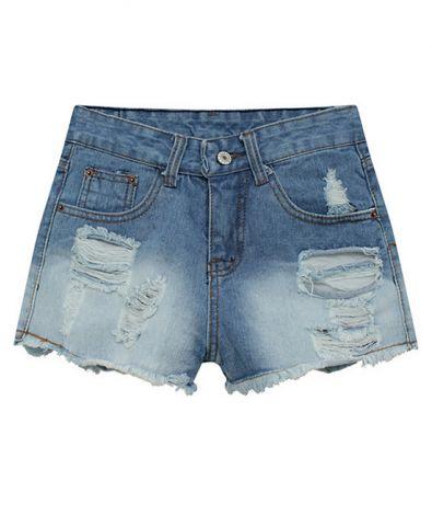 Love these denim shorts!