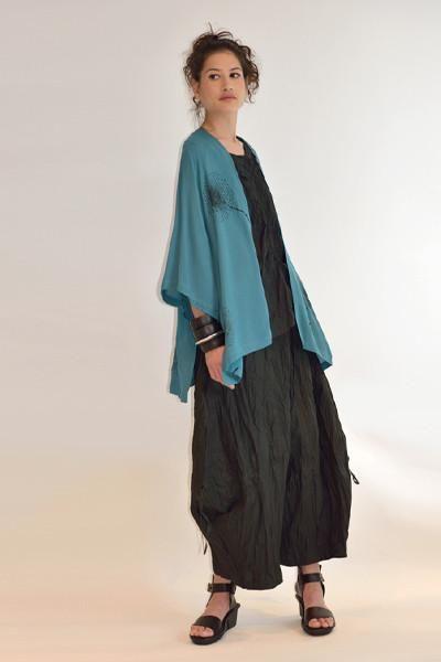 Короткая куртка из кимоно в капри
