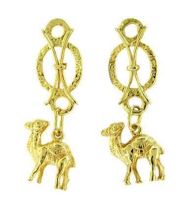 Vintage Dangling Camel Earrings in 18 Karat Yellow Gold