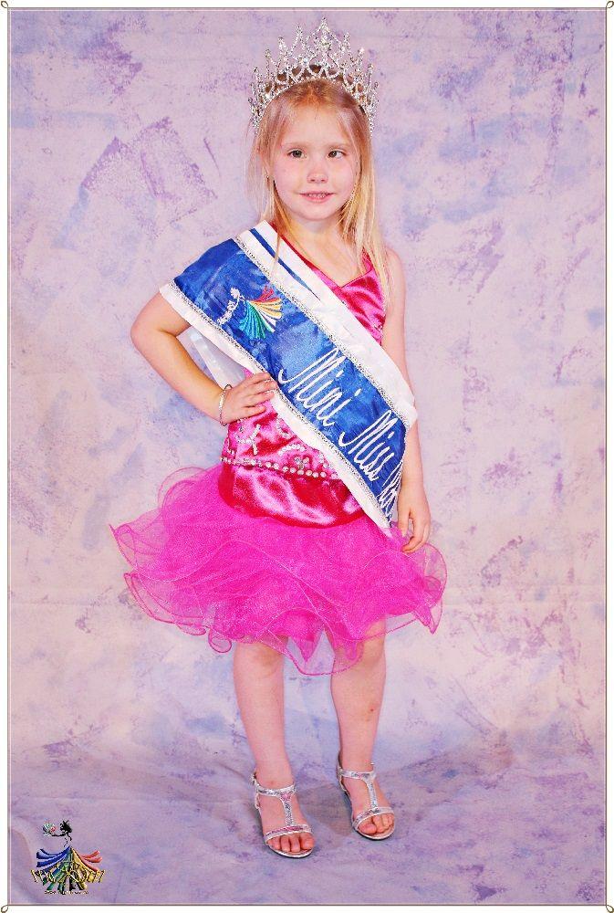 Mini Miss RSA 2015 - Winner Dominique Joubert