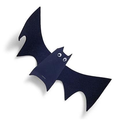 DIY Hallowen: DIY Hanging Bats