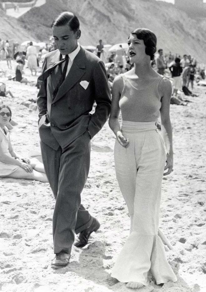 chic on the beach in 1930s