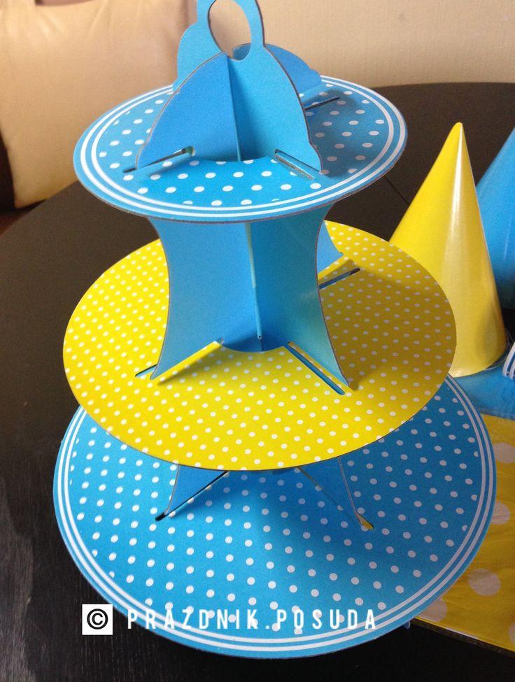 подставка для кексов , голубой , желтый .