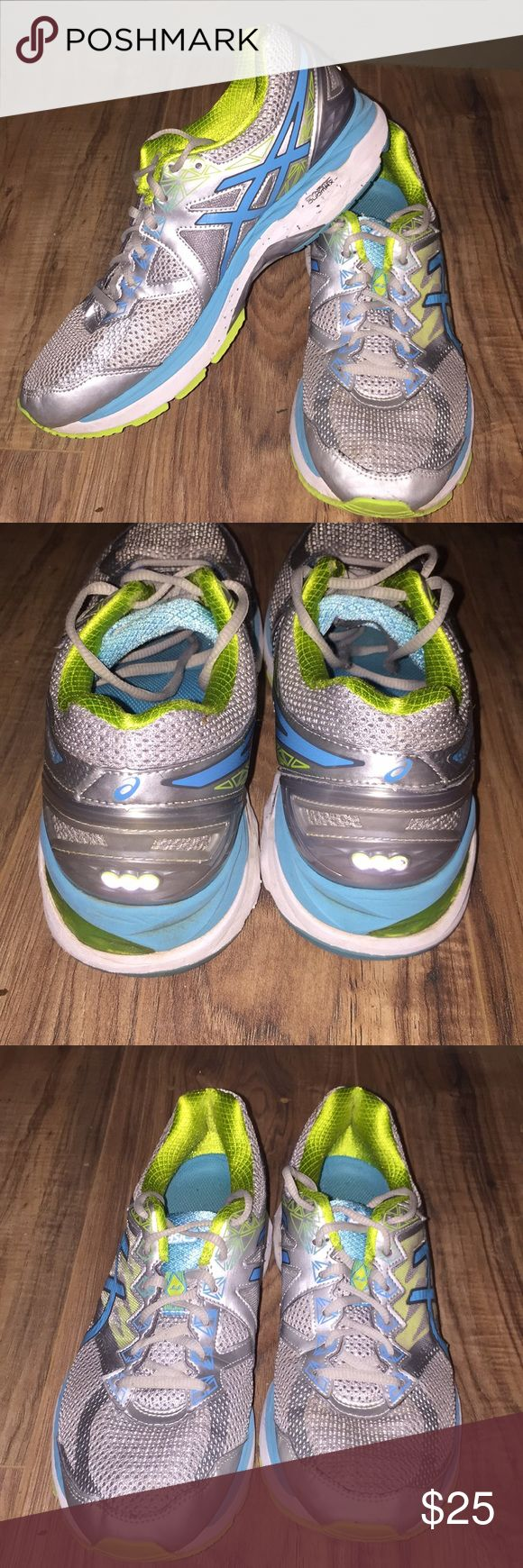 Women's ASICS FluidRide Shoes Size 10! Nice pair of Women's ASICS Shoes, size 10, style: T658N. Very little signs of wear. Great for running/walking! We accept reasonable offers and ship quickly! Thanks for looking! Asics Shoes Athletic Shoes