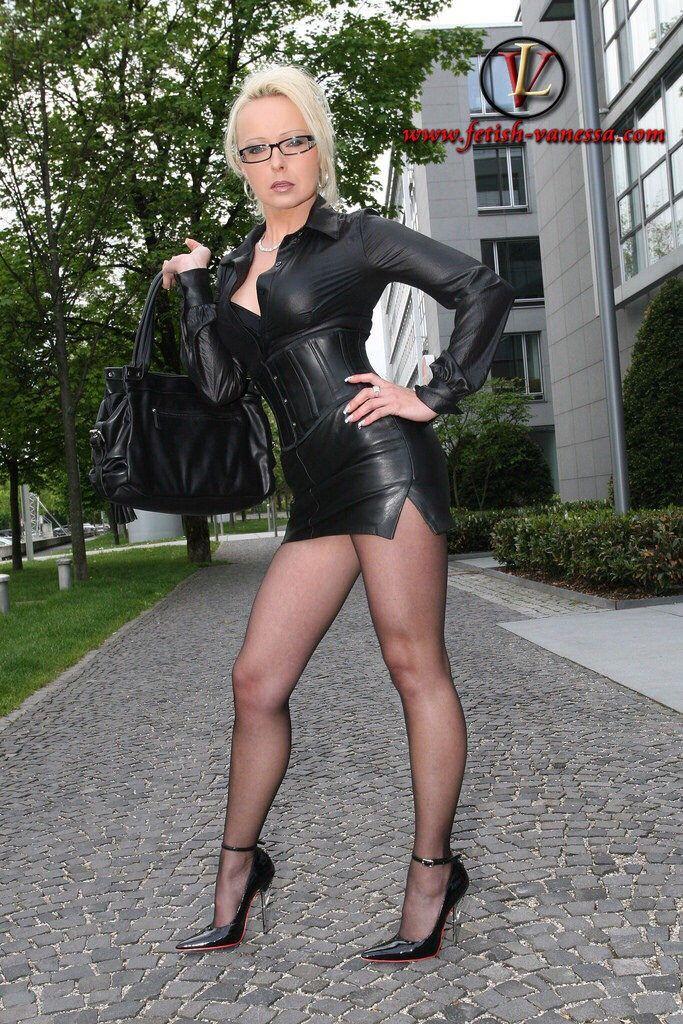 heels nylon hausfrauensex münchen