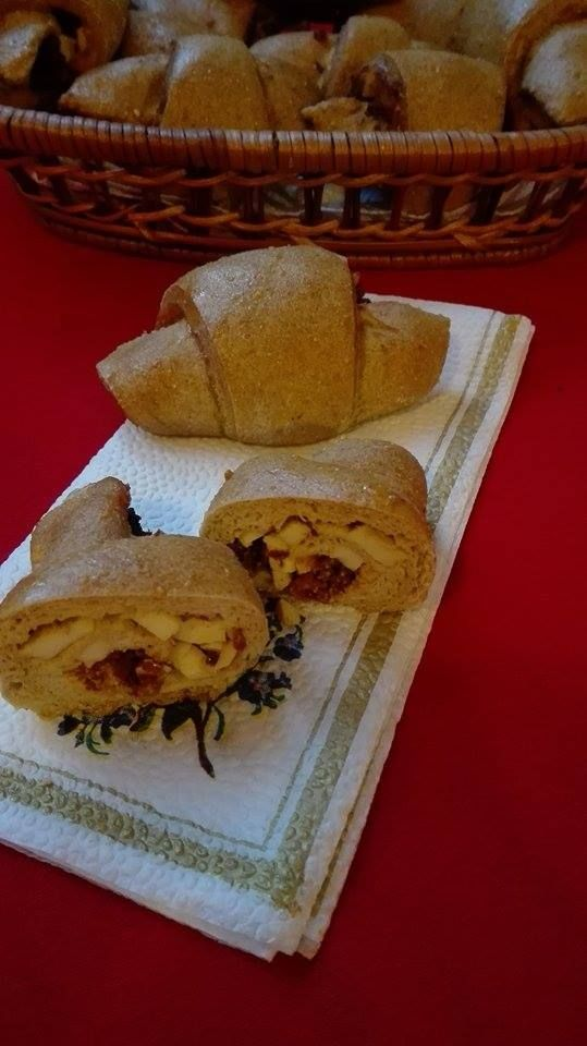 Tojásos-kolbászos kiflik NoCarb rost sütőmixből | Klikk a képre a receptért!