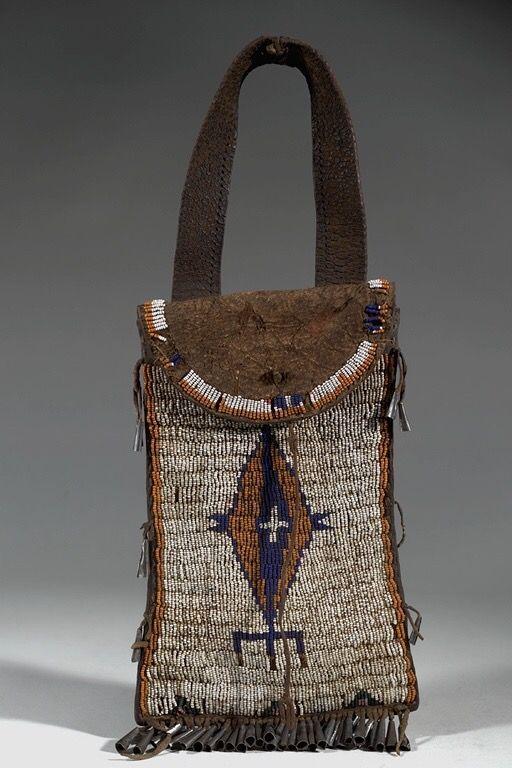 Сумочка, Юты. Размеры: 40 х 7 см. Коллекция Alfred L. Kroeber, период 1900.  Whiterocks, Юта. AMNH.