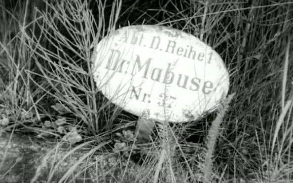 """Liegt hier Dr. Mabuse """"wirklich"""" begraben?"""