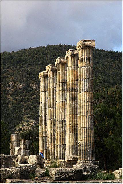 PRIENE ANTIQUE CITY / AYDIN,TURKEY
