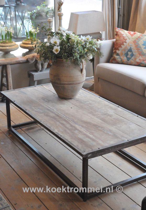 Stoere salontafel met een industriële look.
