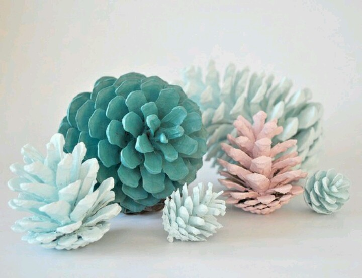 I have found myself possessing a bag of pinecones. I think i shall paint some, like this gifted person did. I'll probably spray them with a coat of primer first, and then handpaint them the rest of the way.