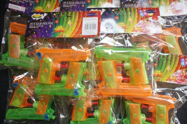 Great for any age group these packs come with two water pistols.