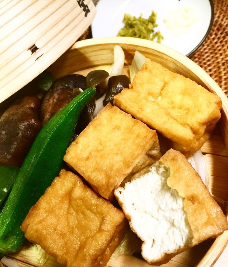 いいね!8件、コメント1件 ― スープと出汁とおにぎりと大切なことさん(@grandma_akiko)のInstagramアカウント: 「温野菜を、かぼす胡椒 マヨネーズ ゴマだれで。 蒸し器に白菜を引き、厚揚げ、椎茸、しめじ、ピーマン、オクラを入れて 5分程蒸せば出来上がり!! 簡単だけど、しあわせ感が高いです。…」