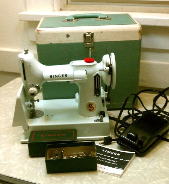 Vintage Singer Featherweight Portable Sewing Machine RARE White 40 Cool Featherweight Singer Sewing Machines