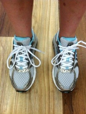 The Cadillac of motion control shoes - for her! Brooks Ariel running shoes. Here's the lowdown on them, plus the men's model.