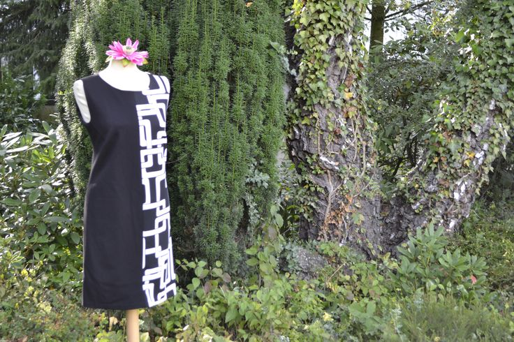 Kleid black and white