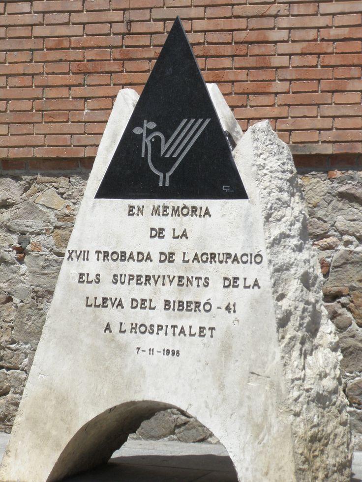 2009 - Monument en record de la Lleva del Biberó de la Guerra Civil del 1936-39 a l'Hospitalet de Llobregat (Catalunya).