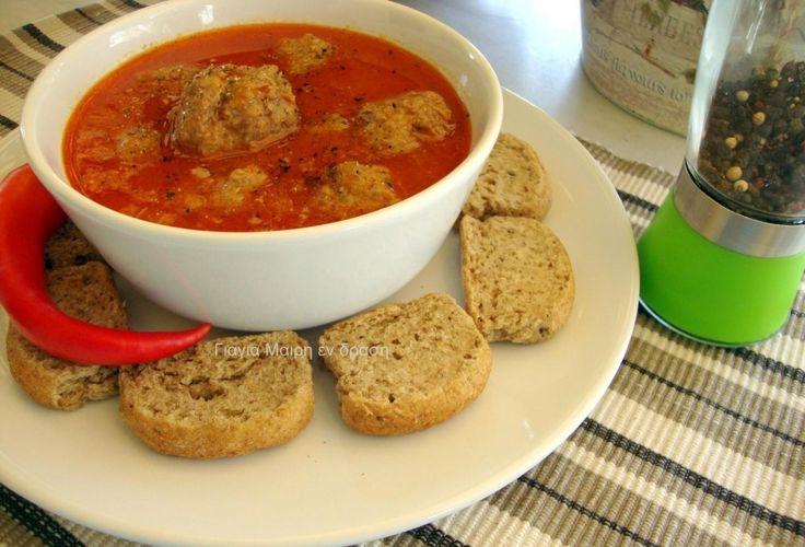 Συνταγή για παιδιά: Γιουβαρλάκια κόκκινα με τραχανά