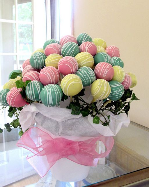 cake pop bouquet - For all your cake decorating supplies, please visit Craftcompany.co.uk