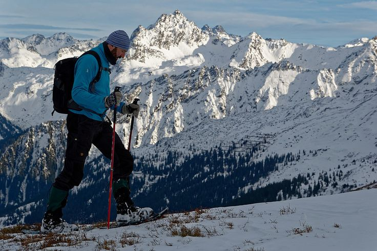 Best snowshoes for 2017  http://www.hikeventures.com/best-trekking-and-snowshoeing-poles/