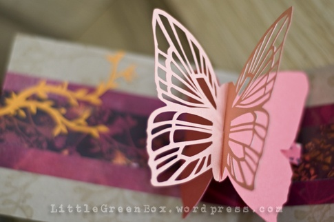 """Pop-up butterfly card for mother's day, on the """"little green box"""" a very good site for pop-up cards"""