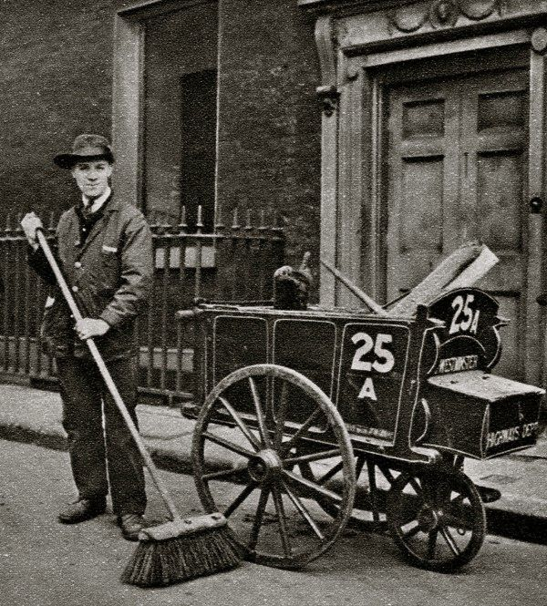 Street Sweeper. Characterful portraits of Londoners, believed to be by photographer Donald McLeish (1879-1950), selected from the three volumes of Wonderful London edited by St John Adcock and produced by The Fleetway House in the nineteen-twenties.