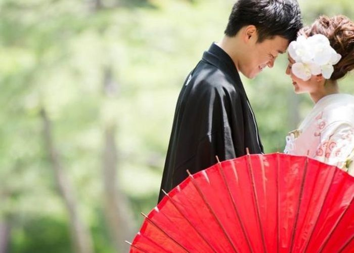 和傘を使って撮る素敵な前撮り写真まとめ