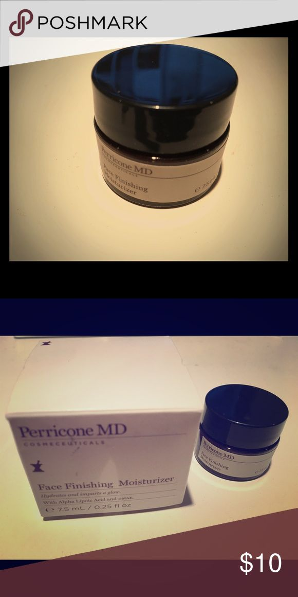 Perricone MD Face Finishing Moisturizer_7.5ml/TS This is a new Perricone MD Face Finishing Moisturizer travel size/7.5ml. It comes with free cosmetic sample pouch. :) perricone MD  Makeup Face Primer