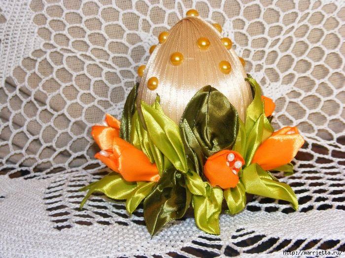 Шелковые пасхальные яйца с цветочками канзаши (25) (700x525, 374Kb)