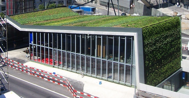 Lausanne esta estación de metro (Flon)