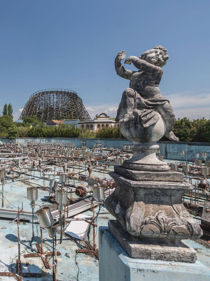 I Visited The Most Famous Abandoned Amusement Park In The World, The Nara Dreamland In Japan