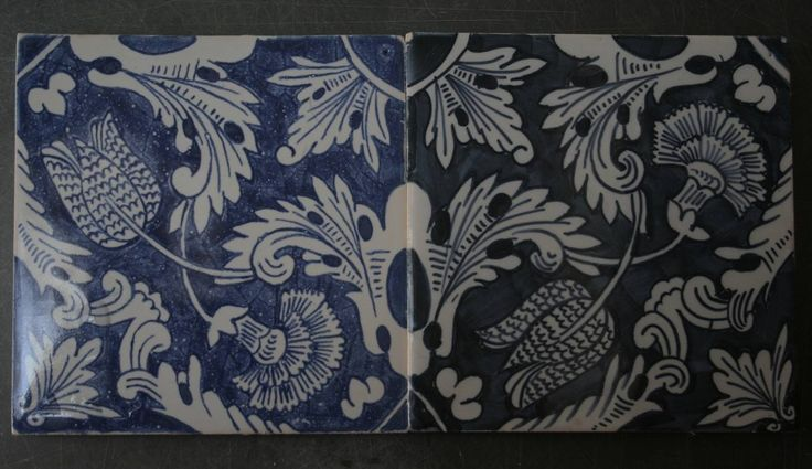 po prawej zabytkowy majolikowy kafel, z lewej jego kopia malowana kobaltem z Delft, Danuta Rożnowska-Borys  -BorysArt