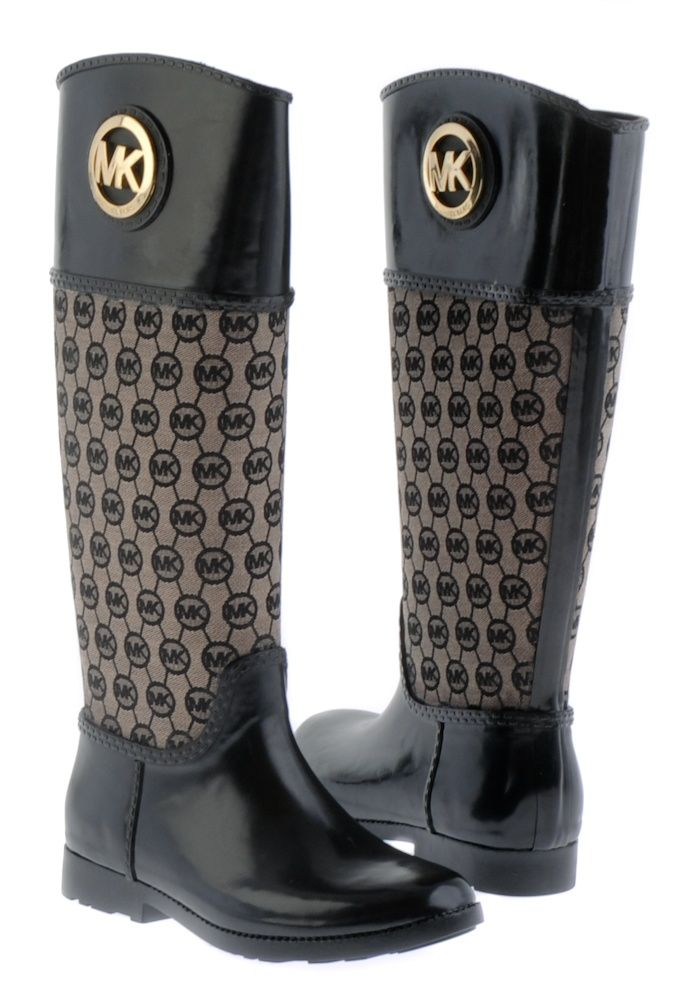 Michael Kors Boots-totally obsesseddddd<3 birthday is is 2 weeks whos buying?!?! ;)