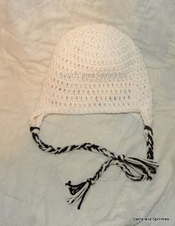Swirls and Sprinkles: Crochet earflap hat free pattern...LOTS of variations on the main site