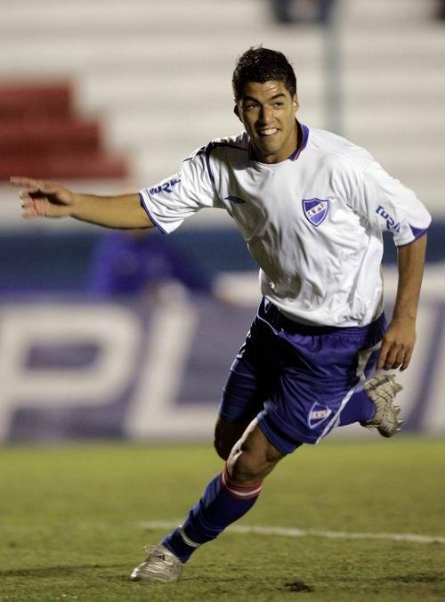 Galería de los mejores momentos de Luis Suárez con el Barcelona, Uruguay y todos los clubs que ha jugado a lo largo de su carrera profesional.