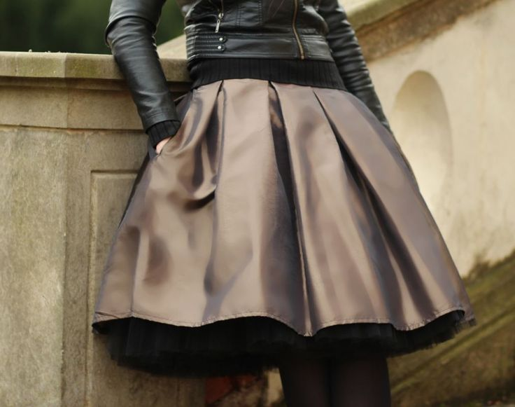 FuFu sukně skládaná s bohatou spodničkou