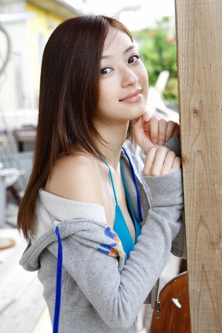 rina aizawa|逢沢りな