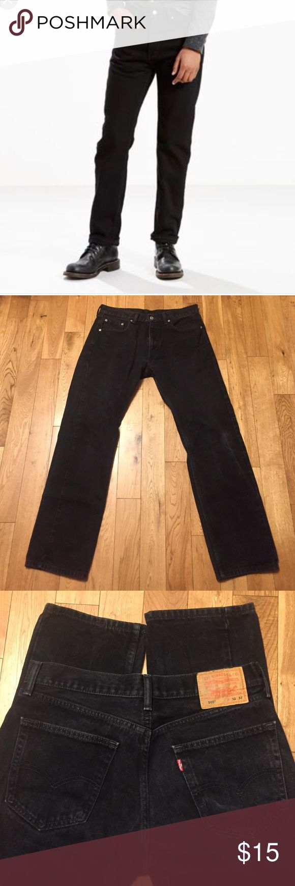 Levi 505 jeans Worn but in great shape. No tears or stains. Size 32 x 32 Levi's Jeans Straight