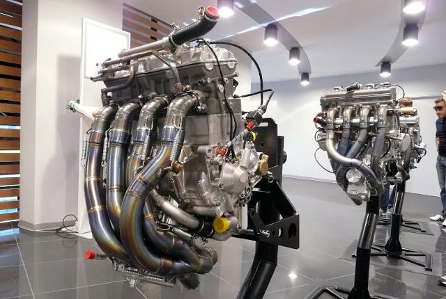 Yamaha M1 Engines